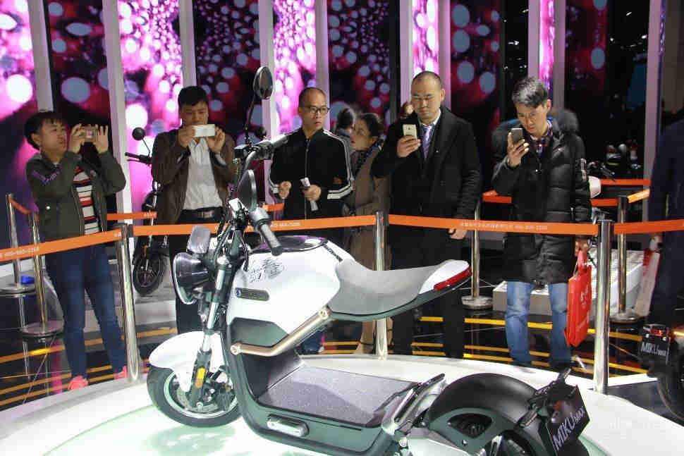 南京新能源电动车及零部件交易展览会